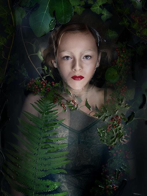 "The Serie ""Waterjuffers"" Photographer: Sarah Vlekke Model: Annemijn MUAH: Marieke van Dort"
